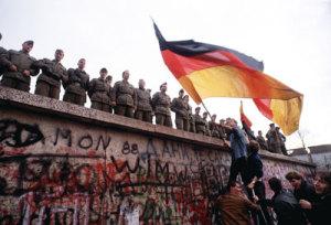 berlin-wall-flag