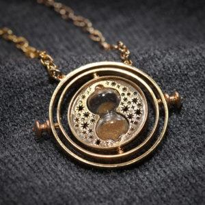 e9a7_hermiones_time_turner_closeup